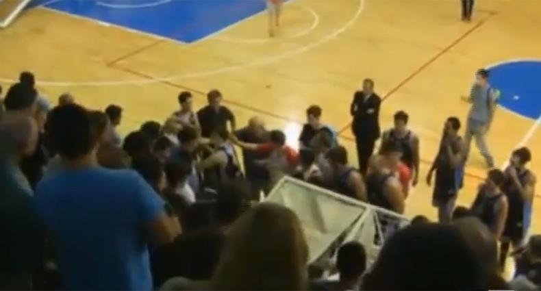 Imágenes del final del partido en Paraná