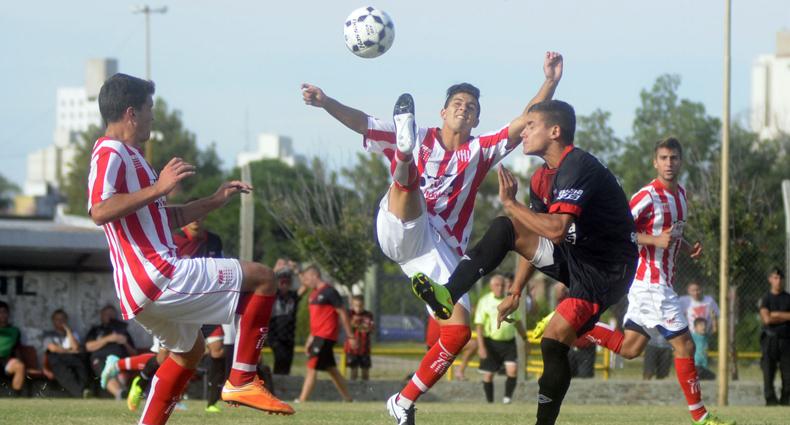 Liga Santafesina: empate en el clásico