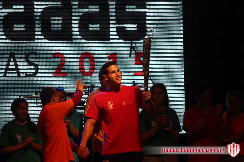 Santiago Grassi encendió la llama de las Olimpíadas 2015