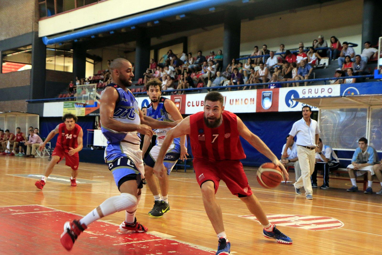 Fernando Podestá, como el equipo, de gran actuación. Foto: Gonzalo Sejas (para prensa Unión).